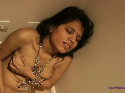 Shaved Pussy Indian Slut Babe Kavya Masturbation Sex